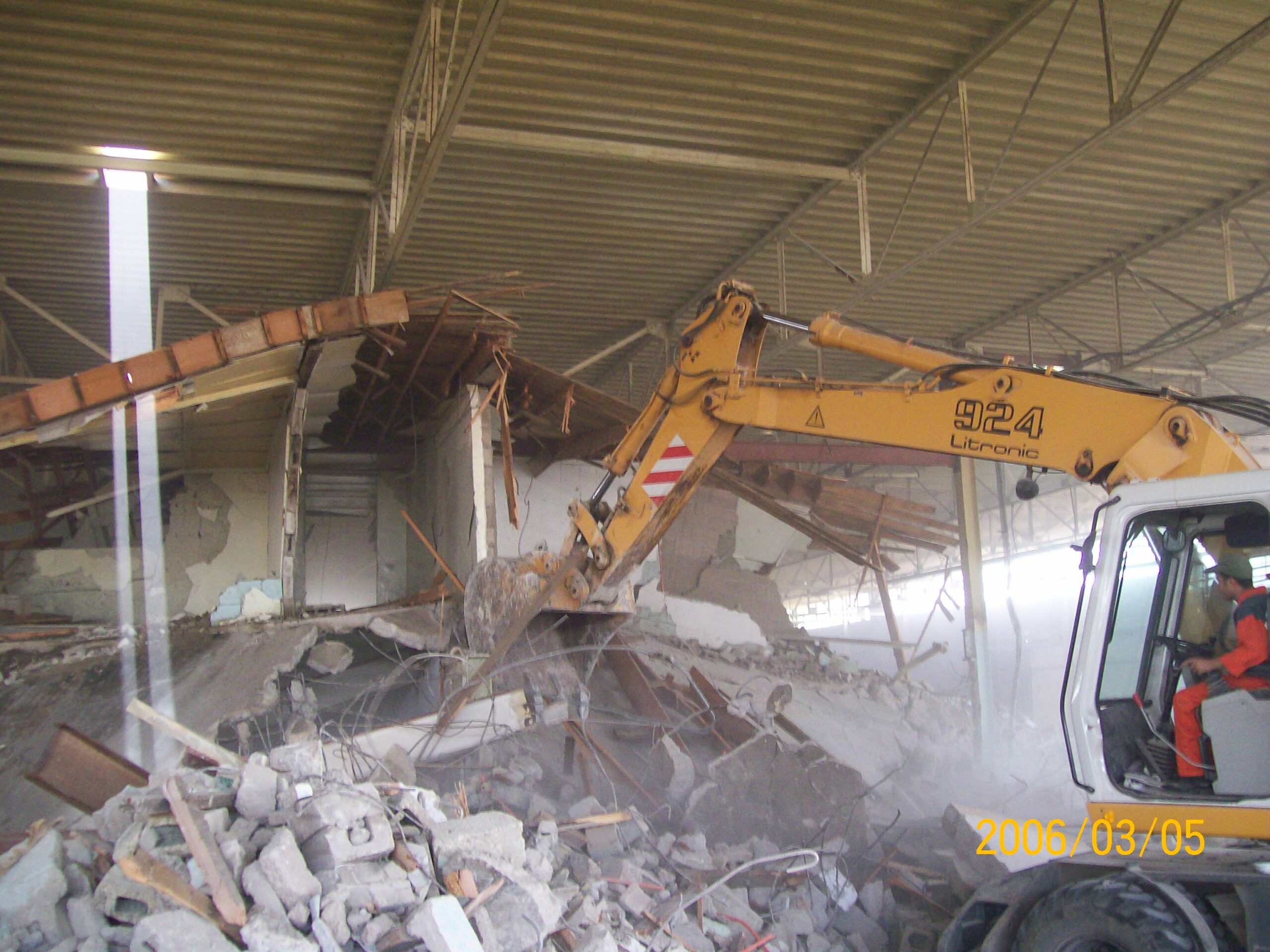 Morocco : Demolition of old structure